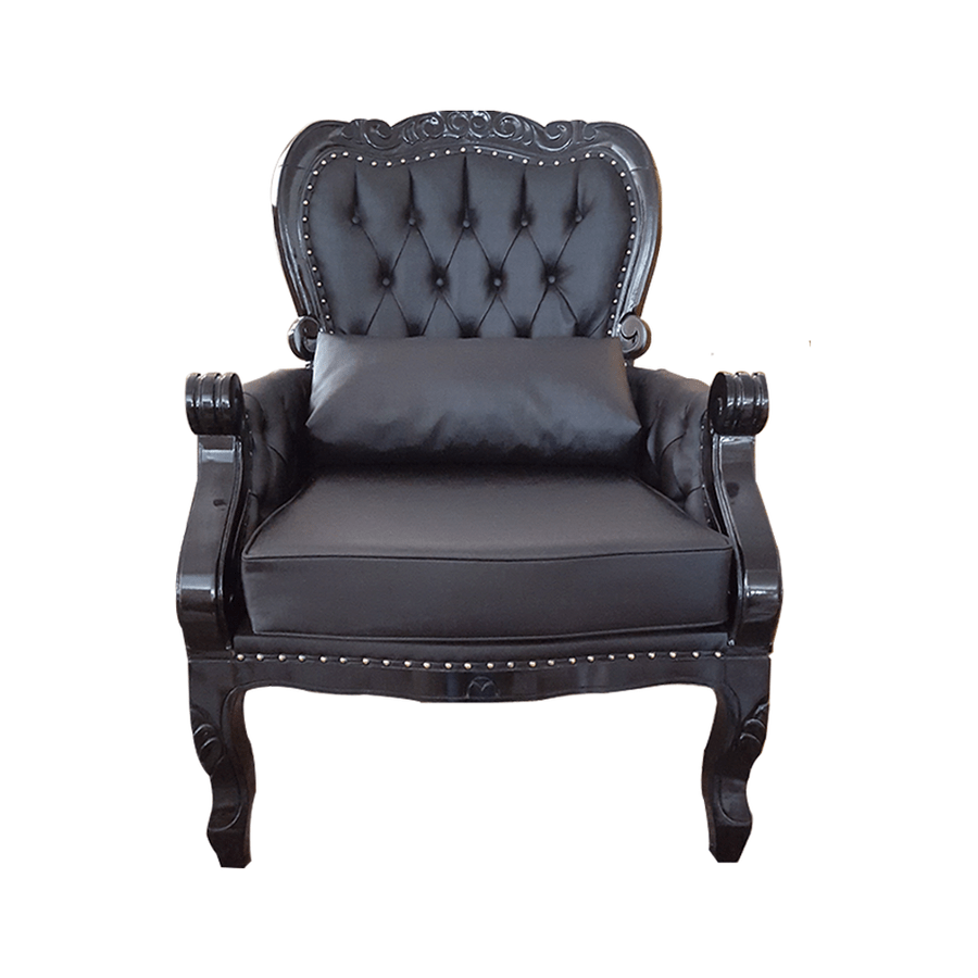 poltrona-imperador-estofado-com-captone-tachas-almofada-entalhado-madeira-macica-957300-01
